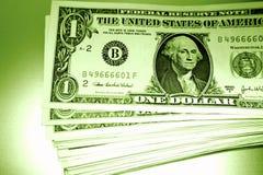 Stapel des US-Geldes Lizenzfreie Stockfotografie