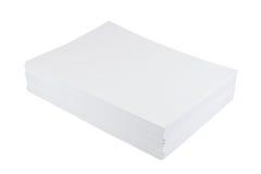Stapel des Weißbuchblattes der Größe a4 Stockfotografie