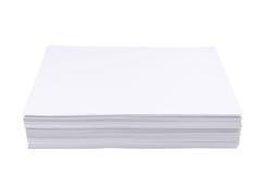 Stapel des Weißbuchblattes der Größe a4 Stockbild
