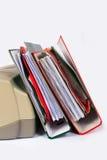 Stapel dossiers aan een printer Royalty-vrije Stock Afbeelding