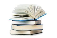Stapel geïsoleerde boeken Royalty-vrije Stock Foto's