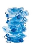 Stapel gebruikte blauwe plastic flessen Royalty-vrije Stock Afbeeldingen