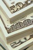 Stapel Geld Stockfotos