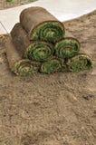 Stapel Grasscholle Rolls lizenzfreies stockbild