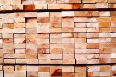 Stapel hölzerne Planken Lizenzfreie Stockbilder