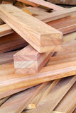 Stapel hölzerne Planken Stockfoto