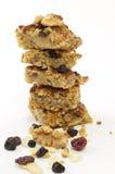 Stapel Haferkuchen mit trocknet Frucht und Muttern Lizenzfreies Stockfoto