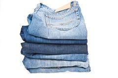 Stapel jeans op wit Royalty-vrije Stock Foto's