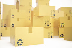 Stapel kartondozen op witte achtergrond voor de levering van bedrijfsconcept worden geïsoleerd dat het 3d teruggeven Royalty-vrije Stock Foto