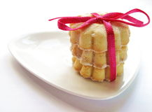 Stapel koekjes, die met roze lint wordt gebonden Royalty-vrije Stock Afbeeldingen