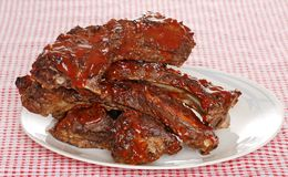 Stapel krabbetjes van het barbecuerundvlees met saus Royalty-vrije Stock Foto