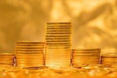 Stapel Münzen des goldenen Adlers Lizenzfreie Stockfotos