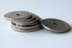 Stapel norwegische Münzen Lizenzfreie Stockfotos