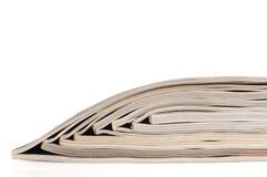 Stapel offene Zeitschriften Lizenzfreie Stockfotos