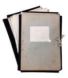 Stapel oude omslagen stock afbeeldingen