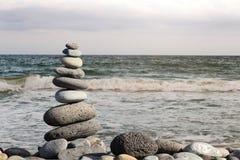 Stapel stenen op het strand Royalty-vrije Stock Fotografie