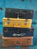 Stapel uitstekende koffers Stock Fotografie