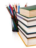 Stapel van boeken en potloden die op wit worden geïsoleerd Royalty-vrije Stock Afbeelding