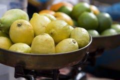 Stapel van citroenen Royalty-vrije Stock Foto's