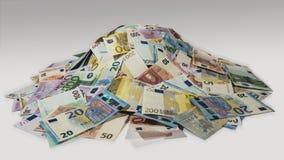 Stapel van contant geld, hopen van geld, zijaanzicht Stock Afbeeldingen