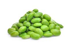 Stapel van de geïsoleerde zaden of de sojabonen van edamameslabonen stock afbeelding