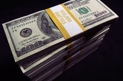 Stapel van de Rekeningen van Honderd Dollars royalty-vrije stock afbeeldingen