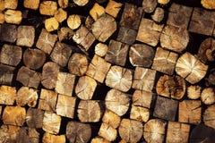 Stapel van de textuur de houten brandstof royalty-vrije stock foto