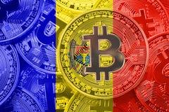 Stapel van de vlag van Bitcoin Moldavië Het concept van Bitcoincryptocurrencies royalty-vrije stock afbeelding
