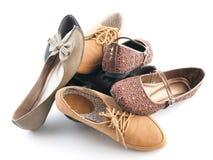 Stapel van diverse vrouwelijke vlakke schoenen Stock Foto