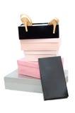 Stapel van dozen en vrouwen high-heeled schoenen Stock Afbeeldingen