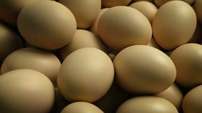 Stapel van Eieren die Schot bewegen stock video