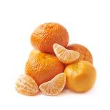Stapel van geïsoleerde mandarijnen Royalty-vrije Stock Afbeeldingen