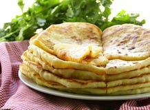Stapel van gebraden brood met boter Stock Afbeeldingen