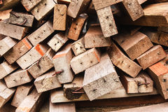 Stapel van gebruikt hout Stock Fotografie