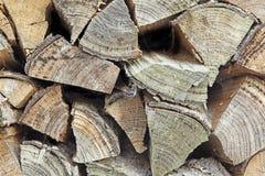 Stapel van gehakt brandhout royalty-vrije stock afbeelding