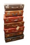 Stapel van geslagen oude koffers stock afbeelding