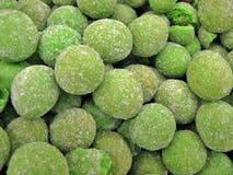 Stapel van groene noten royalty-vrije stock fotografie