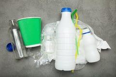 Stapel van huisvuil voor recycling royalty-vrije stock foto's