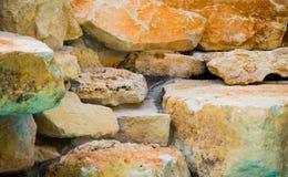 Stapel van kleurrijke rotsen in Texas stock afbeelding