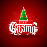 Stapel van nieuwe jaarboom bij Kerstmis het van letters voorzien op rood Royalty-vrije Stock Fotografie