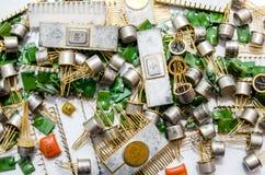 Stapel van oude condensatoren Royalty-vrije Stock Afbeeldingen
