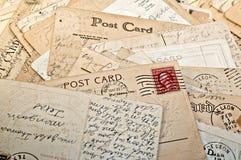 Stapel van Prentbriefkaaren stock afbeeldingen
