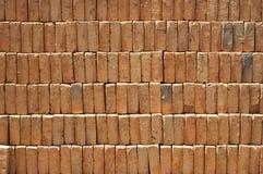 Stapel van rode bakstenen. Stock Afbeeldingen