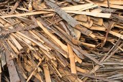 Stapel van ruwe planken van naaldhout royalty-vrije stock fotografie