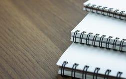 Stapel van spiraalvormig notitieboekje Stock Afbeeldingen