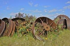 Stapel van staalwielen van zware machines stock foto's