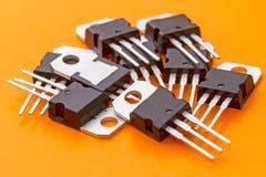 Stapel van transistors in de SOT199-envelop royalty-vrije stock afbeelding