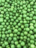 Stapel van verse rijpe groene olijven Stock Foto's