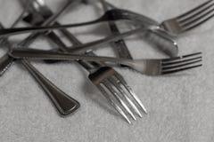 Stapel van vorken stock afbeeldingen