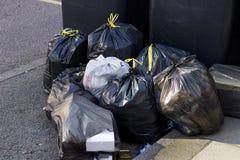 Stapel van vuilniszakken royalty-vrije stock afbeeldingen